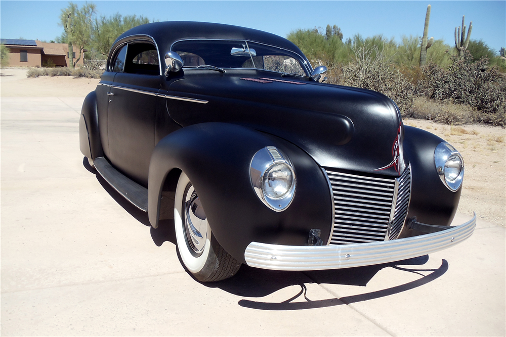1939 MERCURY CUSTOM CLUB COUPE - Front 3/4 - 189136