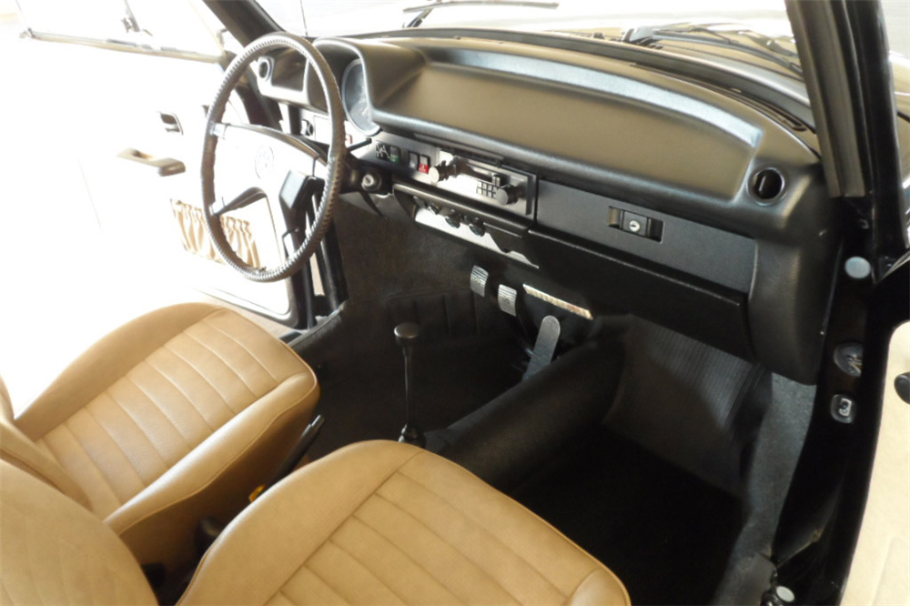 1978 VOLKSWAGEN BEETLE CONVERTIBLE - Interior - 189137