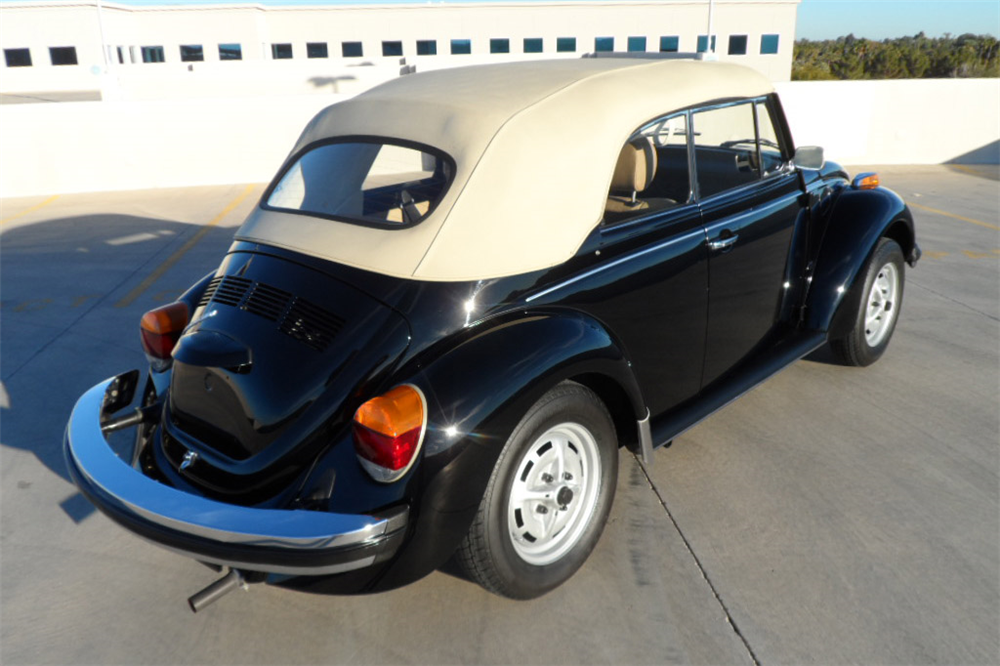 1978 VOLKSWAGEN BEETLE CONVERTIBLE - Rear 3/4 - 189137