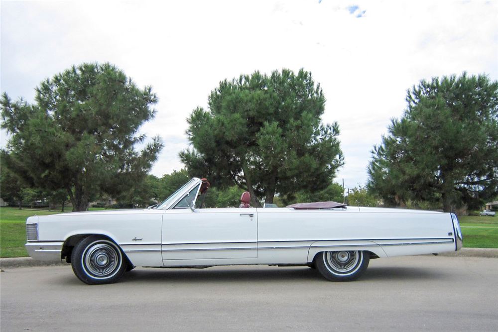 1968 CHRYSLER IMPERIAL CONVERTIBLE - Side Profile - 189144