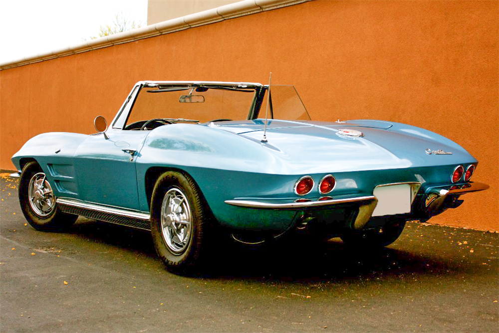 1963 CHEVROLET CORVETTE CONVERTIBLE - Rear 3/4 - 189153