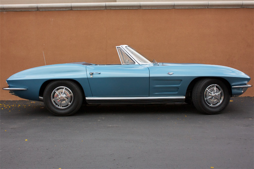 1963 CHEVROLET CORVETTE CONVERTIBLE - Side Profile - 189153