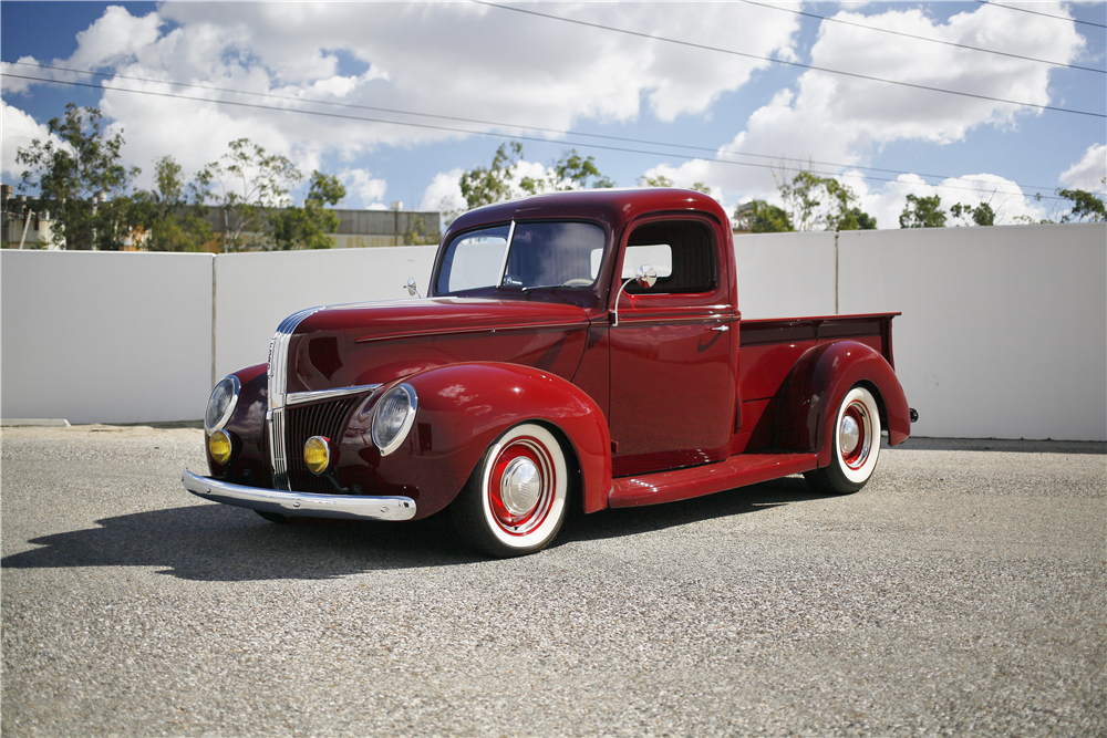 1941 FORD CUSTOM PICKUP - Front 3/4 - 189154