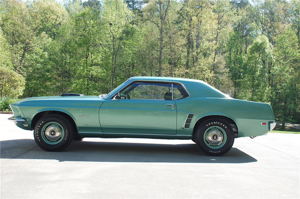 1969 FORD MUSTANG 428 CJ R-CODE - Side Profile - 189157