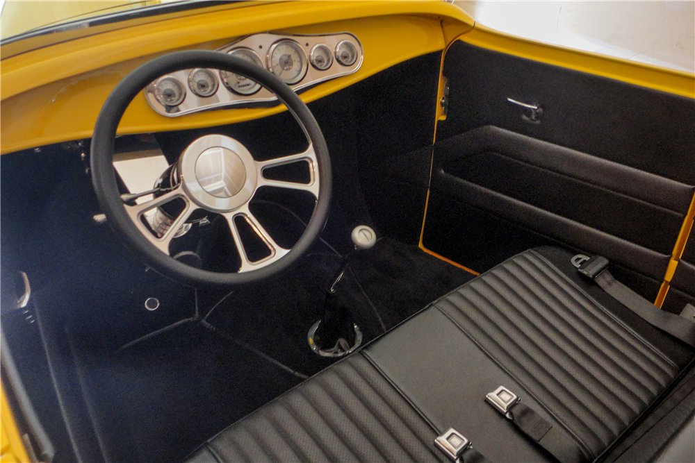 1932 FORD CUSTOM ROADSTER - Interior - 189161