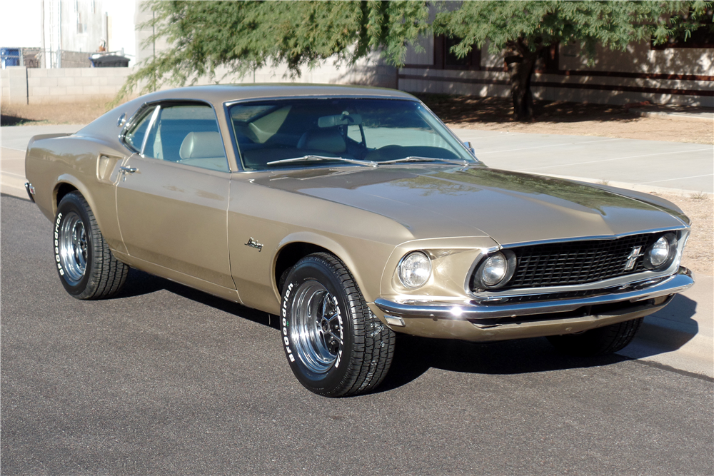 1969 FORD MUSTANG FASTBACK - Front 3/4 - 189167
