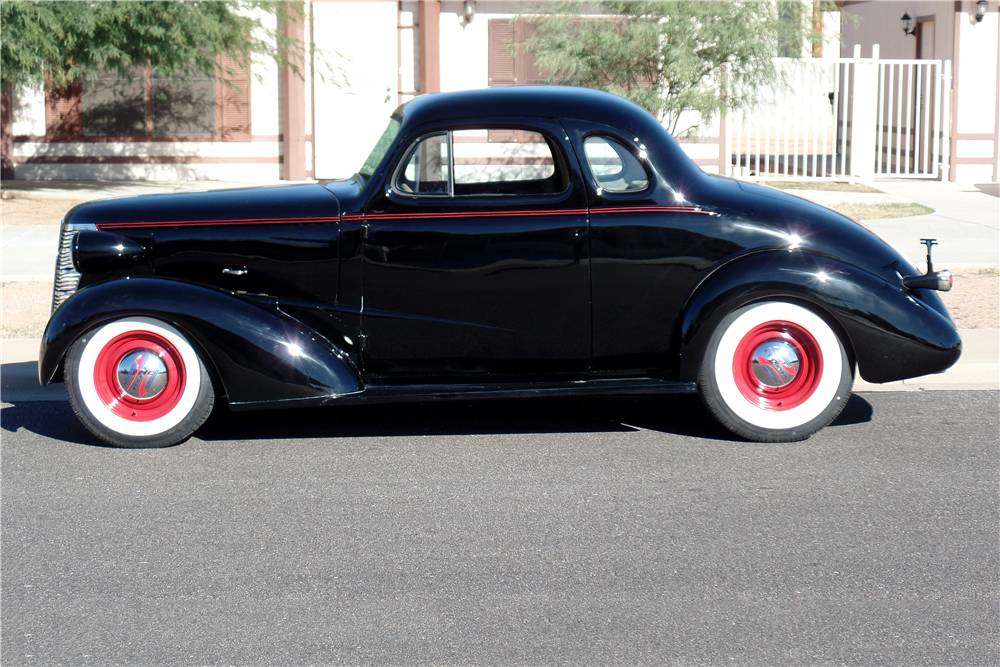 1938 CHEVROLET MASTER CUSTOM COUPE - Side Profile - 189169