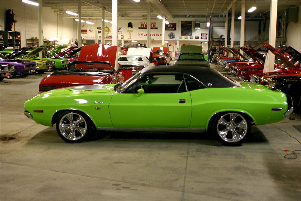 1970 DODGE CHALLENGER R/T SE RE-CREATION - Side Profile - 189182