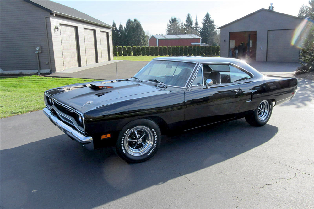 1970 PLYMOUTH HEMI ROAD RUNNER - Front 3/4 - 189193