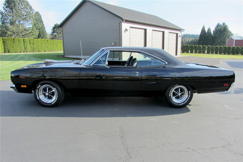 1970 PLYMOUTH HEMI ROAD RUNNER - Side Profile - 189193
