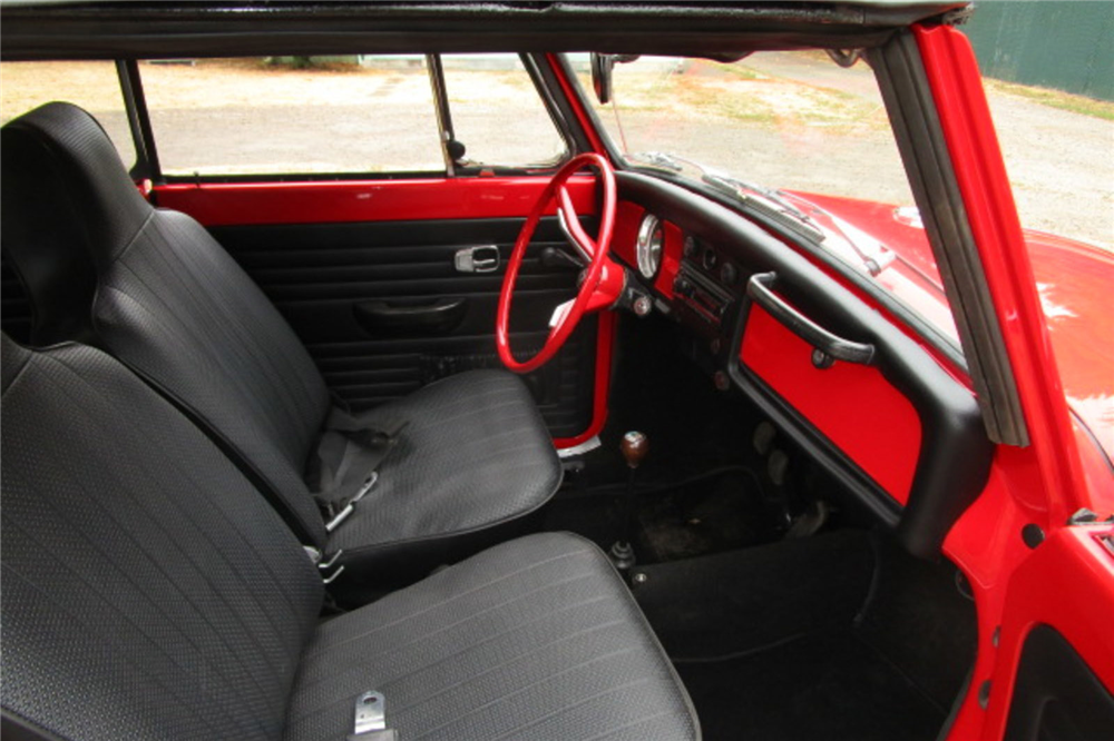 1970 VOLKSWAGEN BEETLE CONVERTIBLE - Interior - 189212