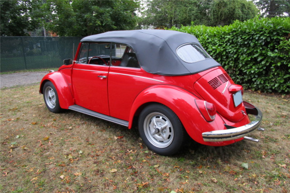 1970 VOLKSWAGEN BEETLE CONVERTIBLE - Rear 3/4 - 189212
