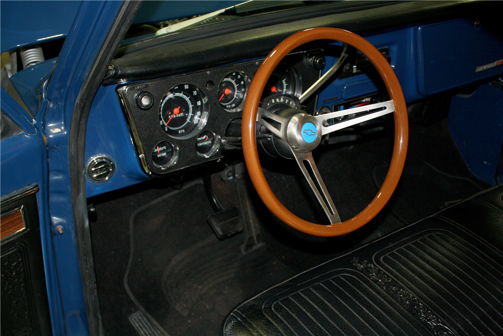 1970 CHEVROLET C-10 CUSTOM PICKUP - Interior - 189231