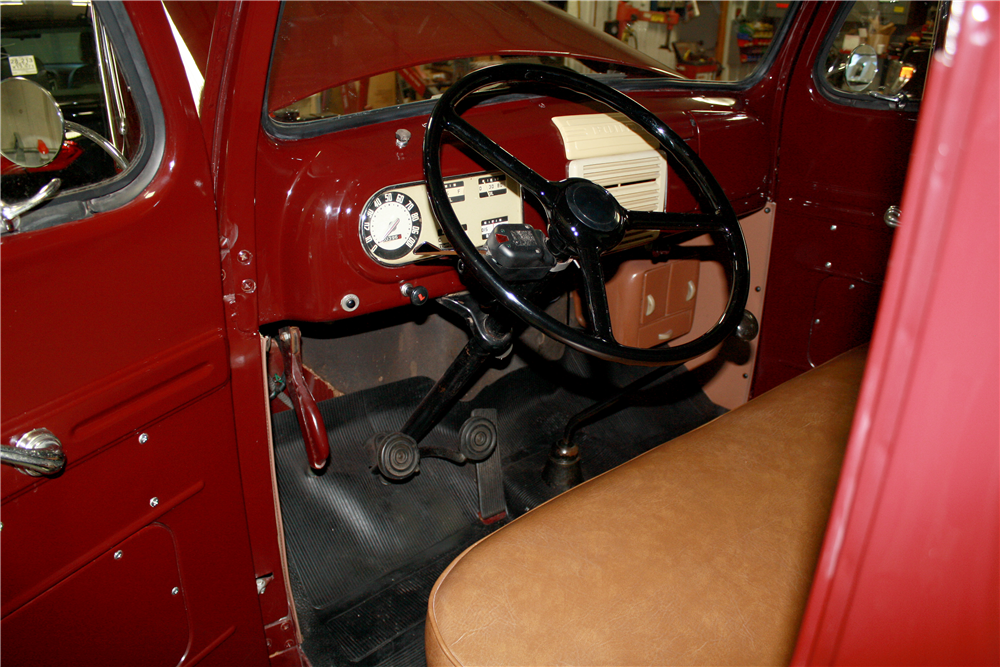 1948 FORD F-1 PICKUP - Interior - 189236