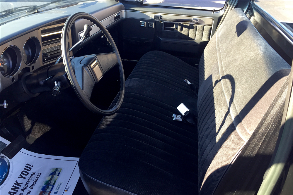 1986 CHEVROLET SILVERADO PICKUP - Interior - 189243
