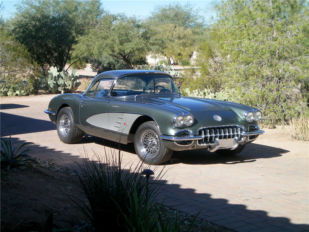 1959 CHEVROLET CORVETTE CONVERTIBLE - Front 3/4 - 189250