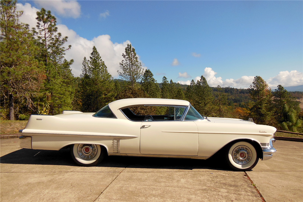 1957 CADILLAC SERIES 62 - Side Profile - 189257