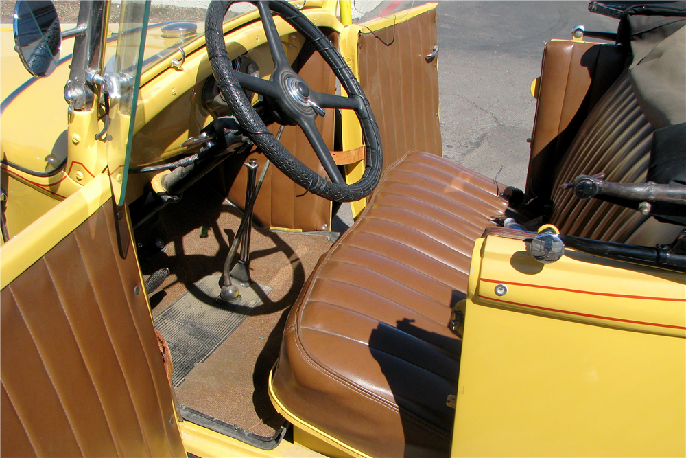 1931 FORD MODEL A ROADSTER - Interior - 189278