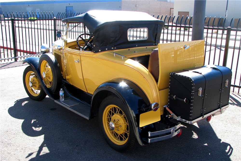 1931 FORD MODEL A ROADSTER - Rear 3/4 - 189278