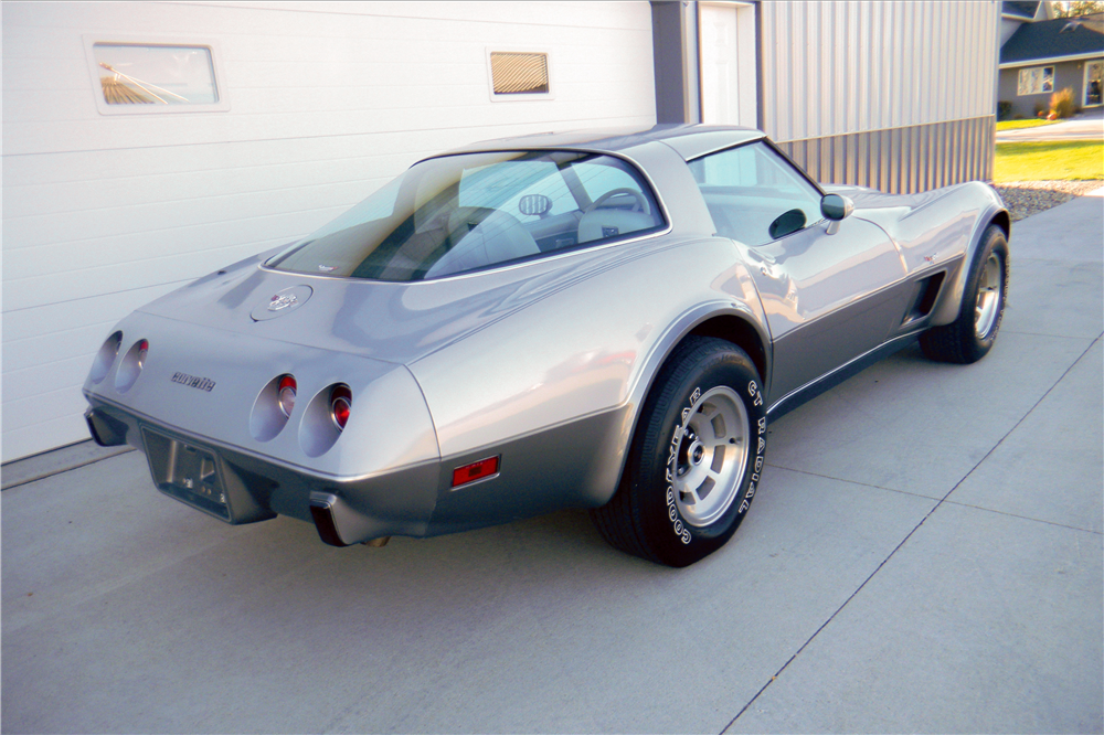 1978 CHEVROLET CORVETTE SILVER ANNIVERSARY COUPE - Rear 3/4 - 189284