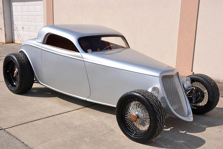 1933 FORD SPEEDSTAR CUSTOM COUPE - Front 3/4 - 189290