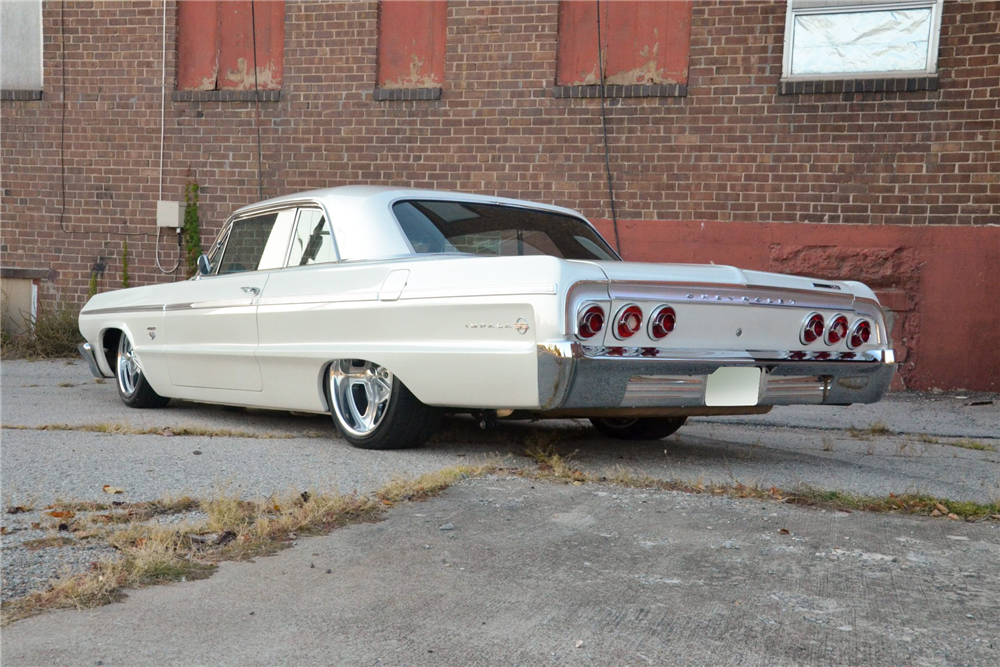 1964 CHEVROLET IMPALA CUSTOM HARDTOP - Rear 3/4 - 189291