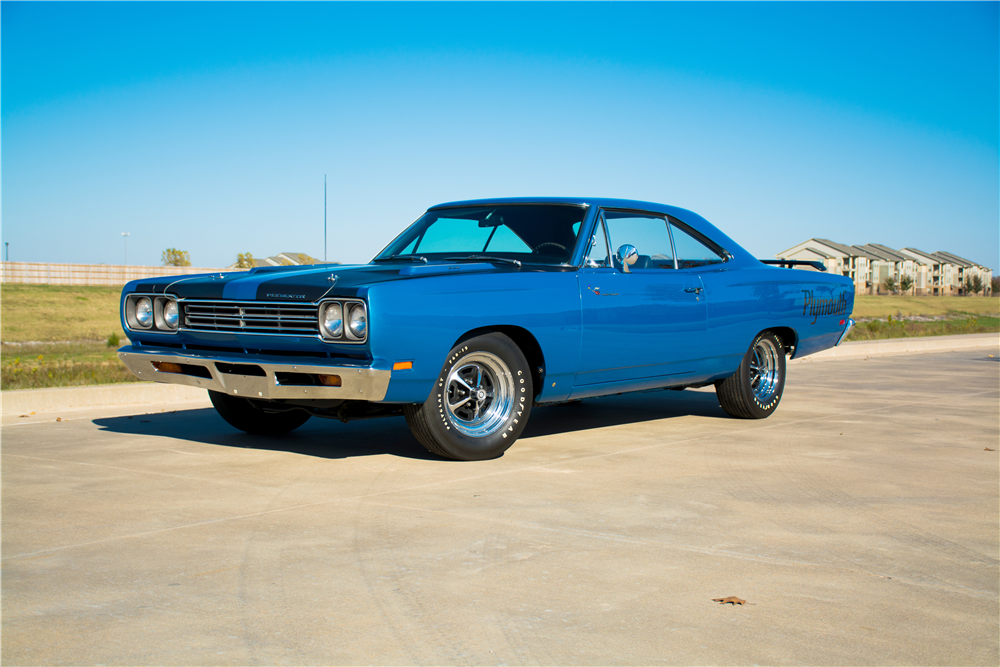 1969 PLYMOUTH ROAD RUNNER  - Front 3/4 - 189300