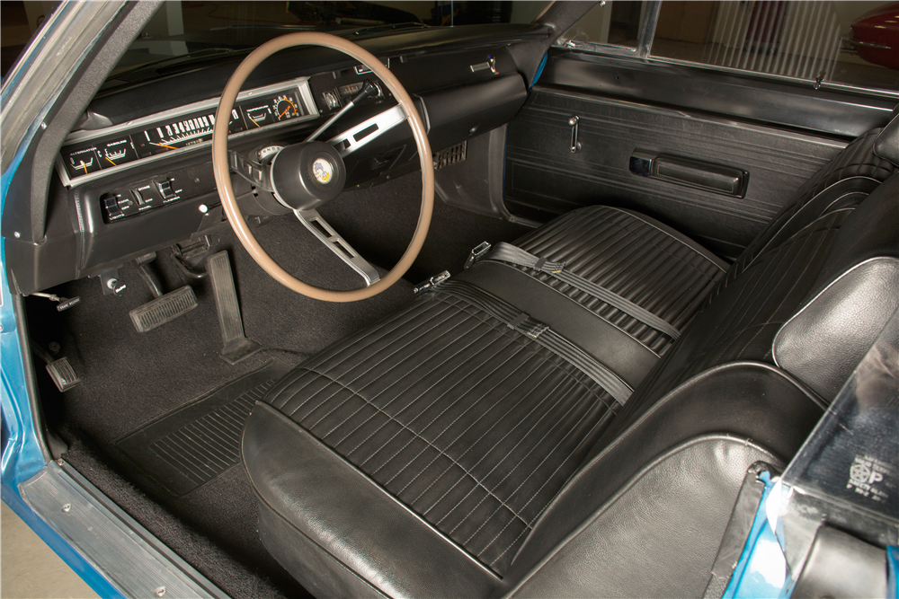 1969 PLYMOUTH ROAD RUNNER  - Interior - 189300