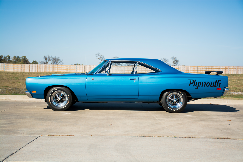 1969 PLYMOUTH ROAD RUNNER  - Side Profile - 189300