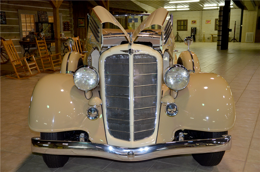 1935 BUICK SERIES 66C CONVERTIBLE - Side Profile - 189301