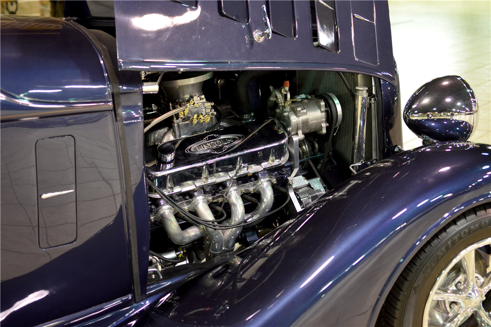 1934 LINCOLN KA CUSTOM CONVERTIBLE SEDAN - Engine - 189303