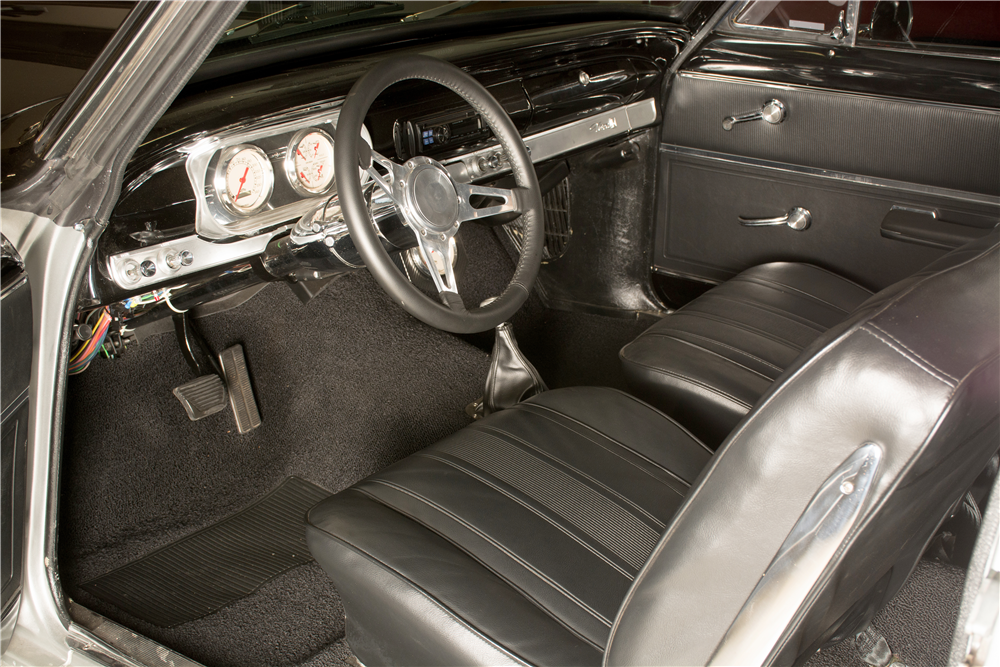 1965 CHEVROLET NOVA CUSTOM COUPE - Interior - 189310