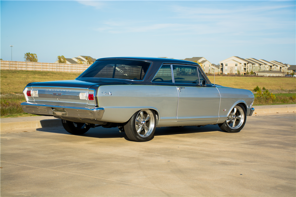 1965 CHEVROLET NOVA CUSTOM COUPE - Rear 3/4 - 189310