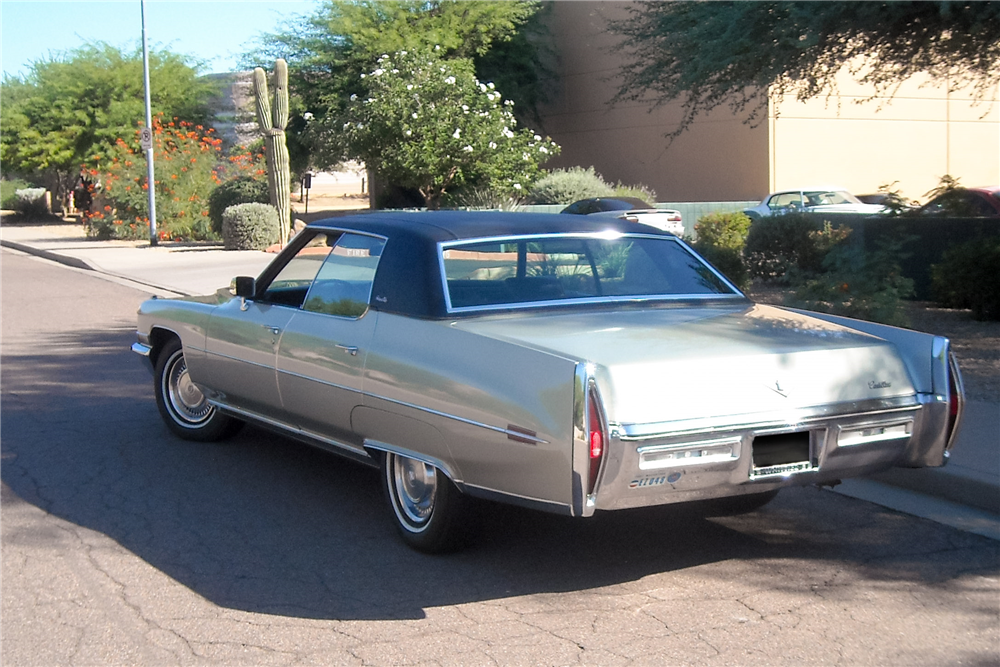 1972 CADILLAC DE VILLE 4-DOOR SEDAN - Rear 3/4 - 189343