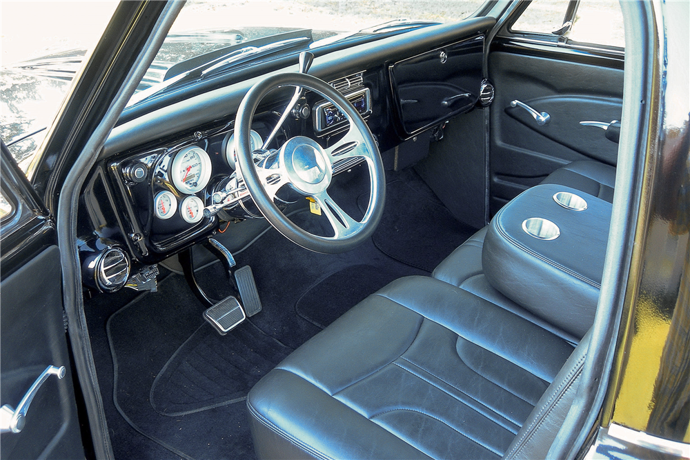 1968 CHEVROLET C-10 CUSTOM PICKUP - Interior - 189355