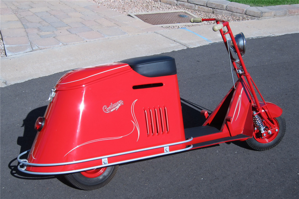 1947 CUSHMAN STEP-THROUGH HALF-SIZE SCOOTER - Side Profile - 189366