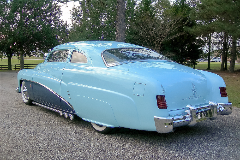 1951 MERCURY CUSTOM COUPE - Rear 3/4 - 189370