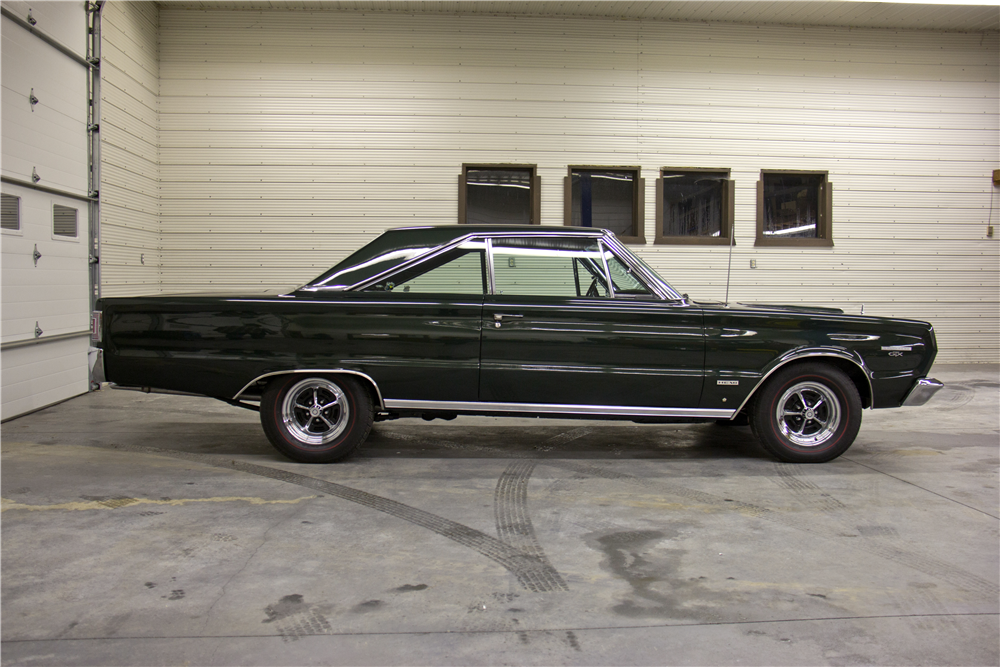 1967 PLYMOUTH HEMI GTX  - Side Profile - 189386