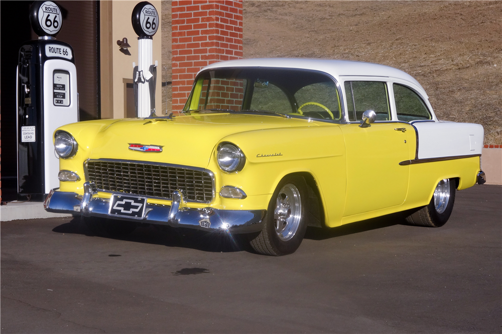 1955 CHEVROLET 210 CUSTOM 2-DOOR POST - Front 3/4 - 189389