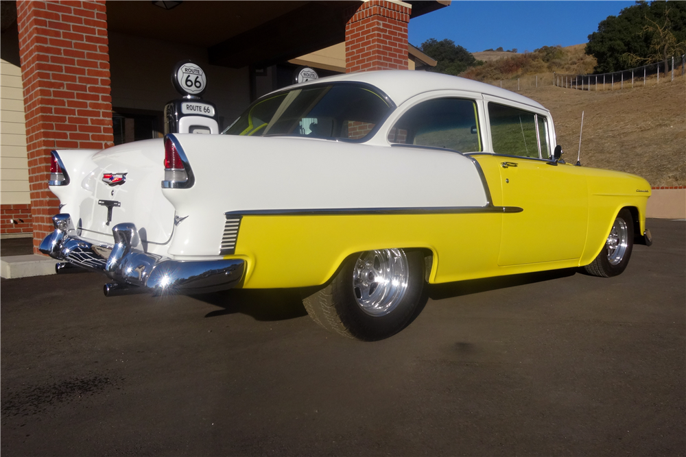 1955 CHEVROLET 210 CUSTOM 2-DOOR POST - Rear 3/4 - 189389