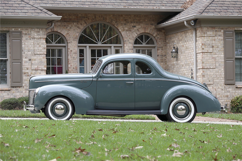 1940 FORD DELUXE CUSTOM COUPE - Side Profile - 189393