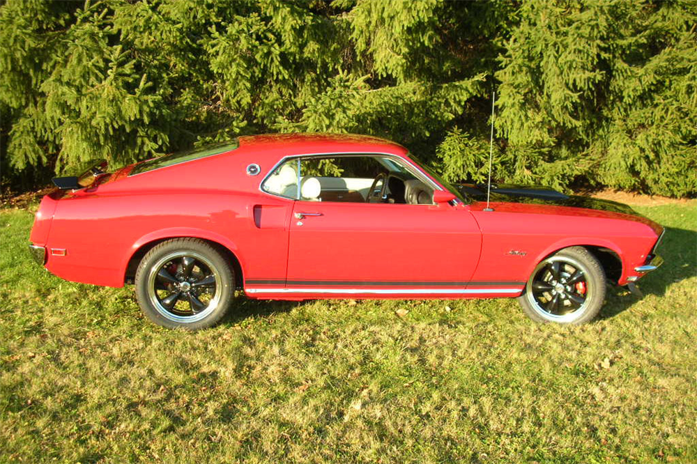 1969 FORD MUSTANG CUSTOM FASTBACK - Side Profile - 189395