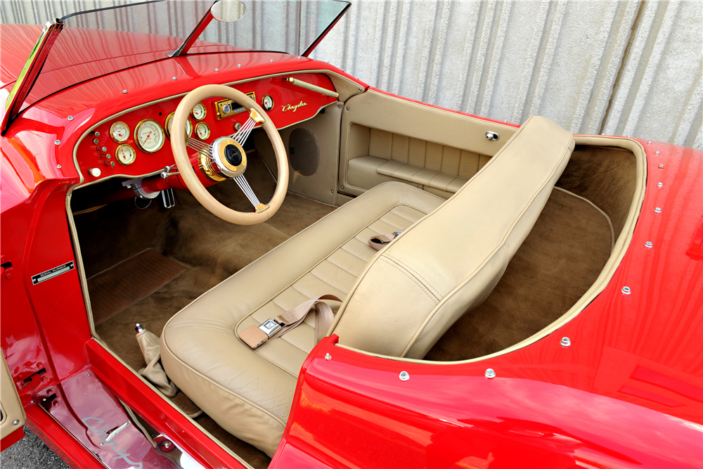 1940 CHRYSLER NEWPORT CUSTOM ROADSTER - Interior - 189400