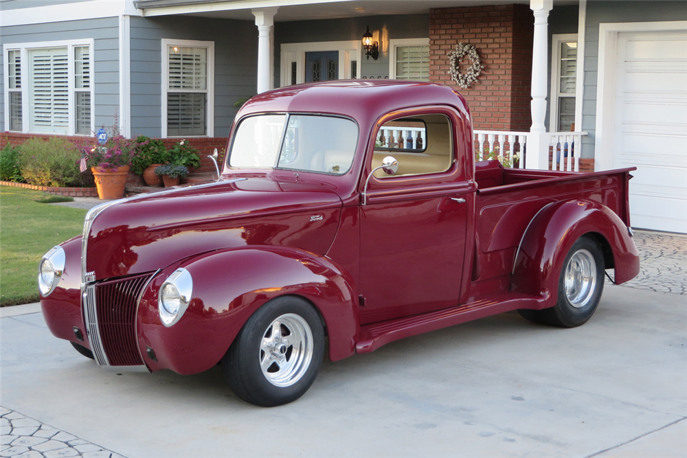 1940 FORD CUSTOM PICKUP - Front 3/4 - 189434