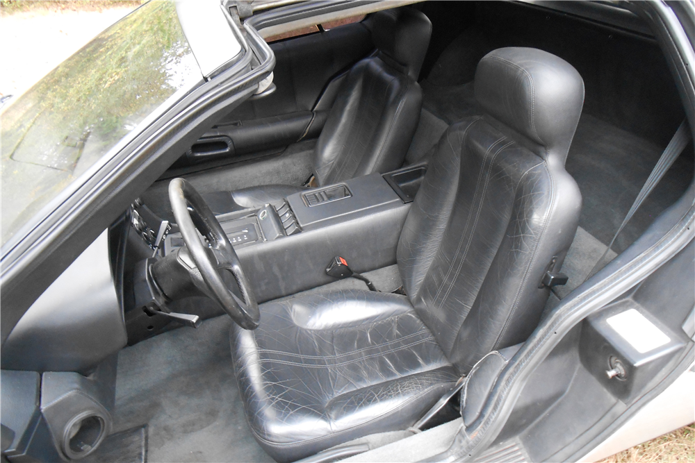 1981 DELOREAN DMC-12  - Interior - 189478