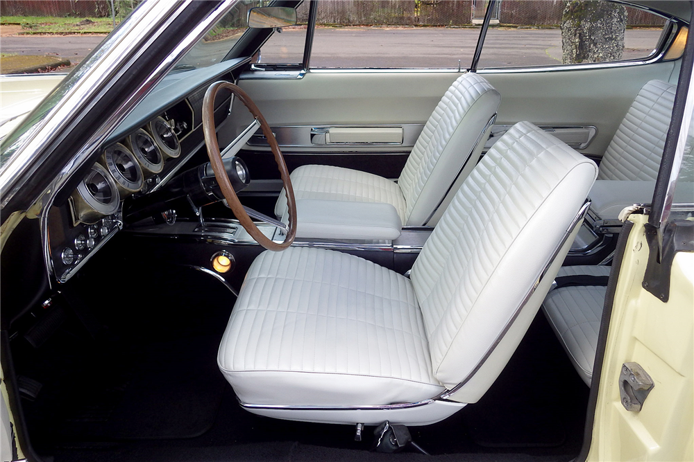 1966 DODGE HEMI CHARGER  - Interior - 189484