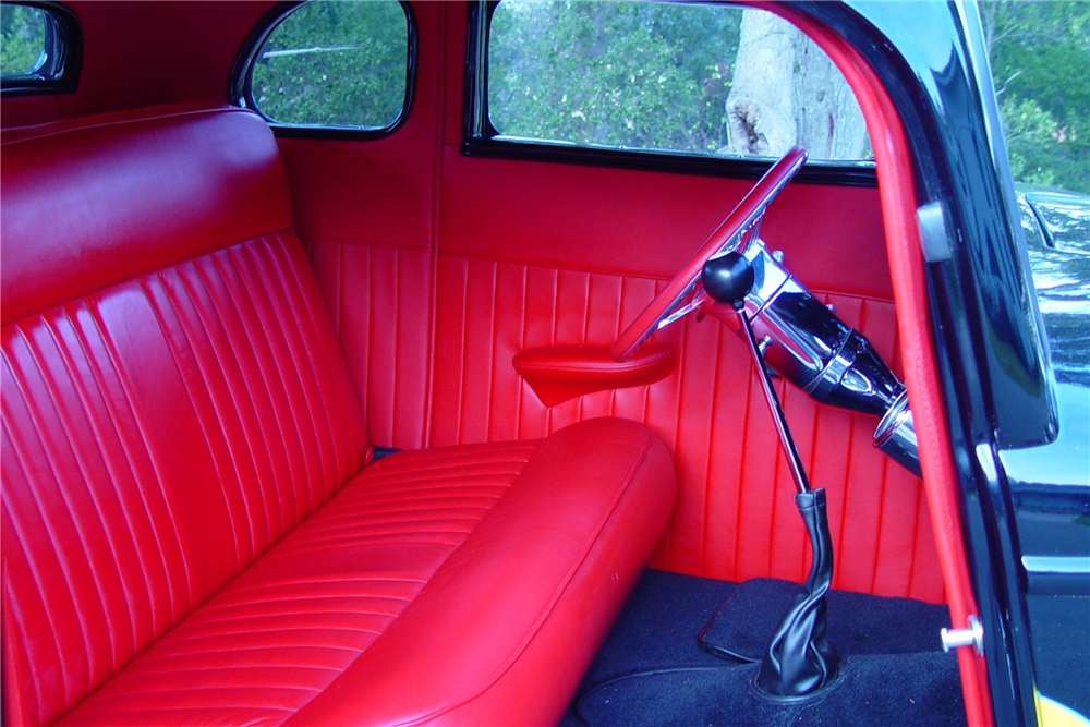 1934 FORD 5-WINDOW CUSTOM COUPE - Interior - 189500