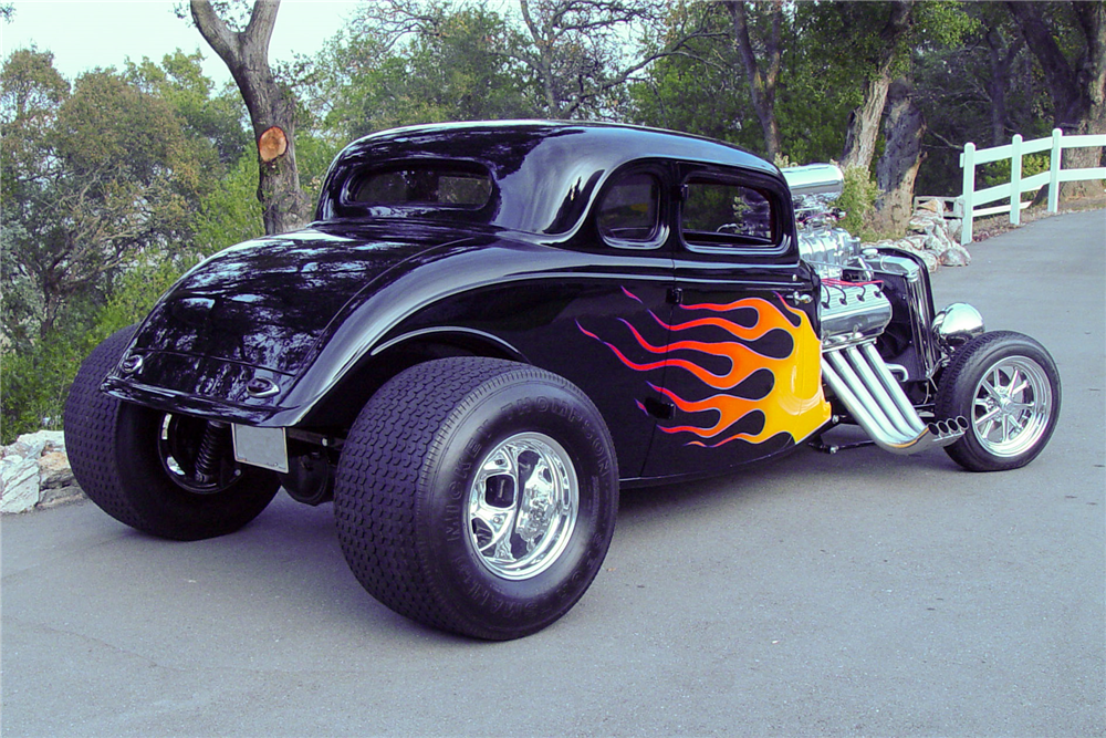 1934 FORD 5-WINDOW CUSTOM COUPE - Rear 3/4 - 189500
