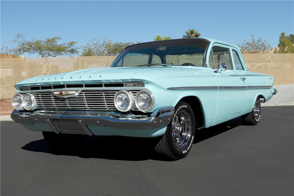 1961 CHEVROLET BEL AIR 2-DOOR POST - Front 3/4 - 189511