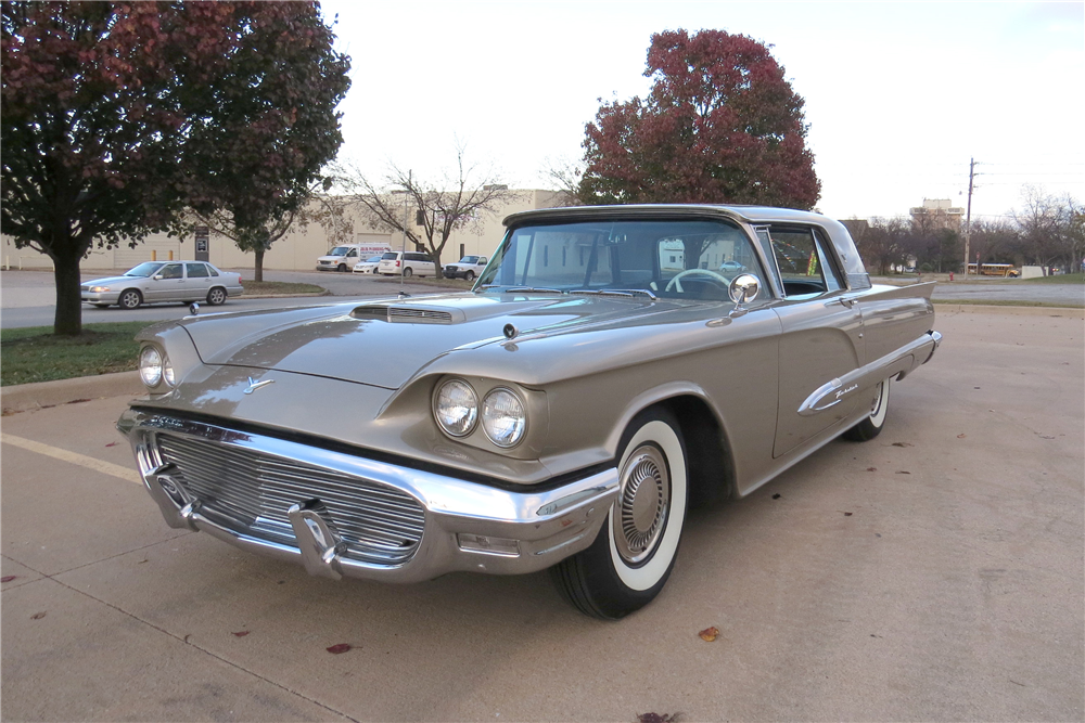 1959 FORD THUNDERBIRD - Front 3/4 - 189524